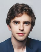 Freddie Highmore (Young Max Skinner)