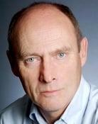 Patrick Malahide (Magnus Crome)