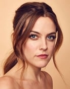 Riley Keough (Stefani)