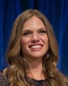 Tracy Spiridakos (Hailey Upton)