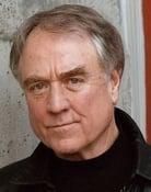 Denis Arndt (Lt. Philip Walker)