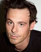 Scoot McNairy (Wallace Keefe)