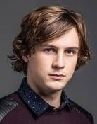 Logan Miller (Ben Miller)