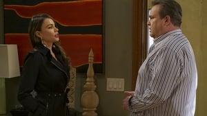 Modern Family, Season 8 - The Alliance image