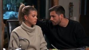 Keeping Up With the Kardashians, Season 17 - Three's Company image