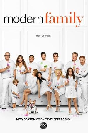Modern Family, Season 2 poster 0