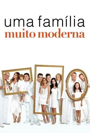 Modern Family, Season 2 poster 3