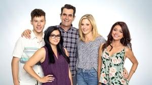 Modern Family, Season 9 image 1
