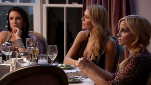 The Real Housewives of Beverly Hills, Season 3 - Oy, Faye! image