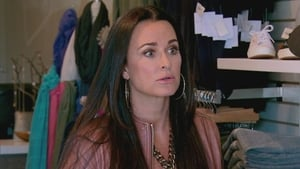 The Real Housewives of Beverly Hills, Season 4 - The Birthday Witch image