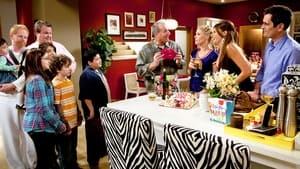Modern Family, Season 6 image 0