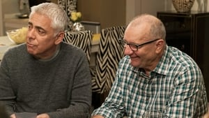 Modern Family, Season 7 - Man Shouldn't Lie image