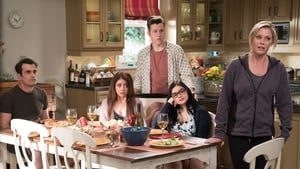 Modern Family, Season 9 - Mother! image