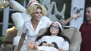 Modern Family, Season 6 - Halloween 3: AwesomeLand image