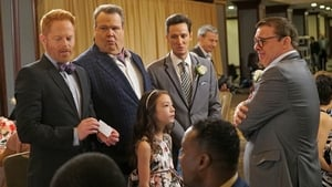 Modern Family, Season 7 - I Don't Know How She Does It image