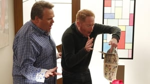 Modern Family, Season 5 - Message Received image