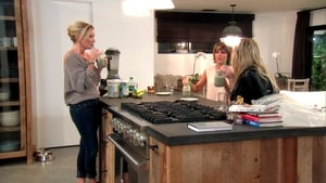 The Real Housewives of Beverly Hills, Season 7 - Boys, Blades and Bag of Pills image